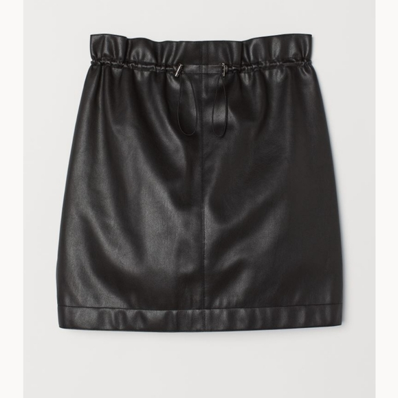 NWT H&M Mini Faux Leather Skirt